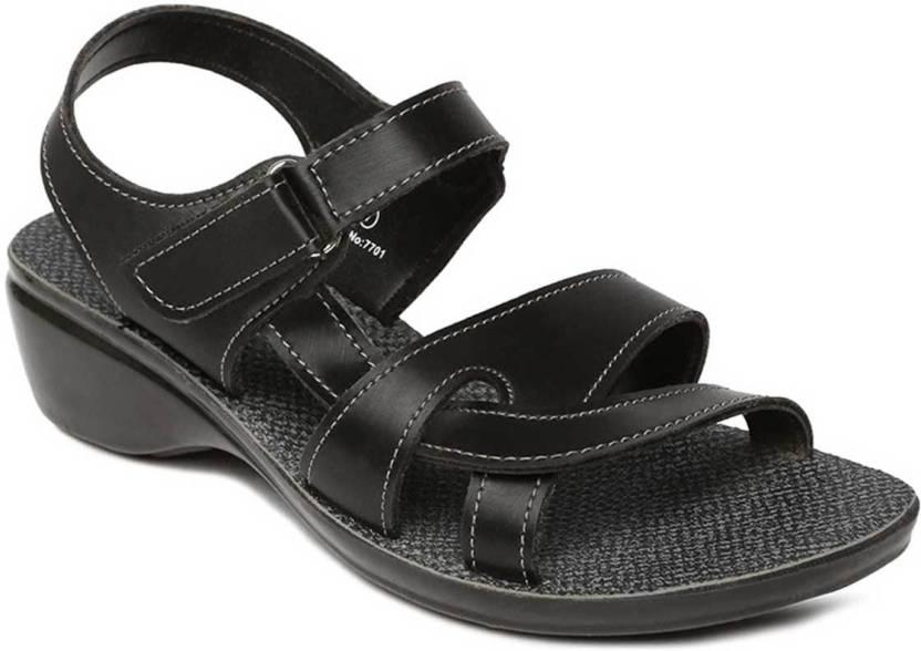 afcf6f3e27afc Paragon Women Black Sandals - Buy Paragon Women Black Sandals Online at Best  Price - Shop Online for Footwears in India | Flipkart.com