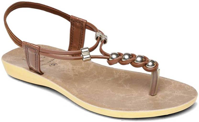 b6c37bbadd26 Paragon Women Brown Sandals - Buy Paragon Women Brown Sandals Online at Best  Price - Shop Online for Footwears in India