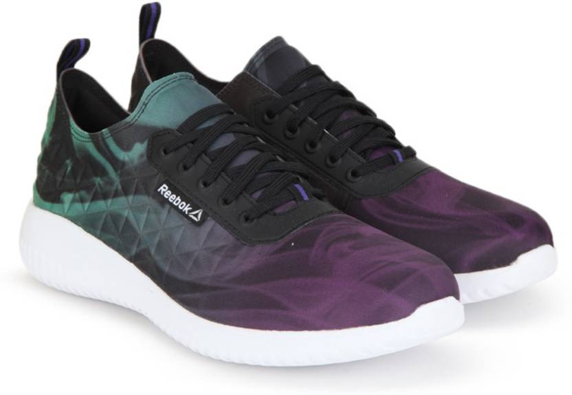 a7c3b1b6e5021 REEBOK SKYSCAPE REVOLUTION Sneakers For Women - Buy BLACK WHITE ...