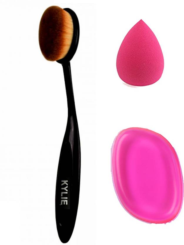 Kylie COMBO OF MAKEUP TOOLS 1 OVAL BRUSH, 1 SILICON PUFF, 1 BLENDER (Set of 3)