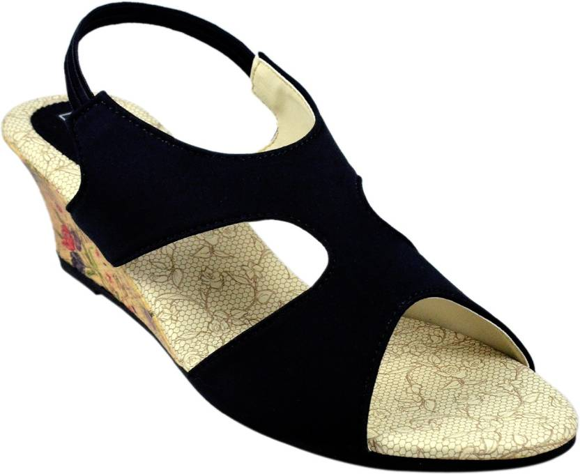 Leatherwood1 Women Black Wedges - Buy Leatherwood1 Women Black Wedges Online  at Best Price - Shop Online for Footwears in India  ce1a05fd9c