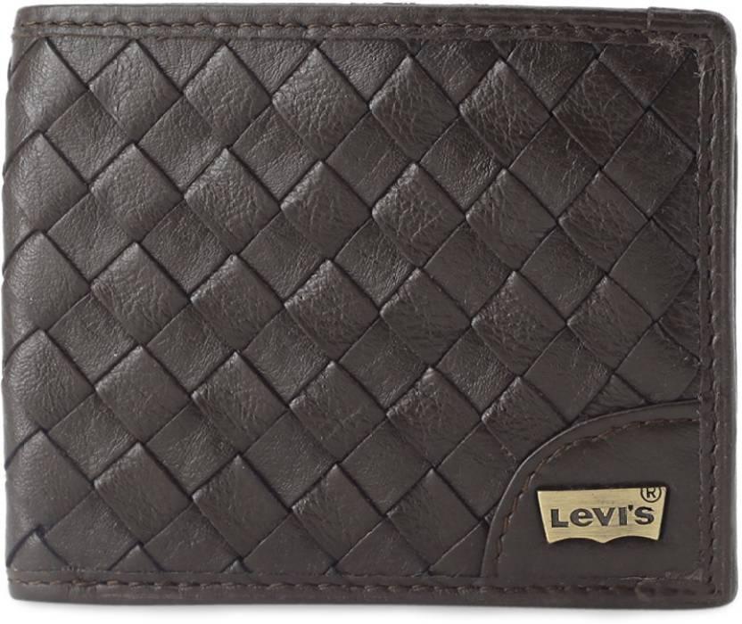 7b48d1e613e5c7 Levi's Men Casual Brown Genuine Leather Wallet Brown - Price in ...