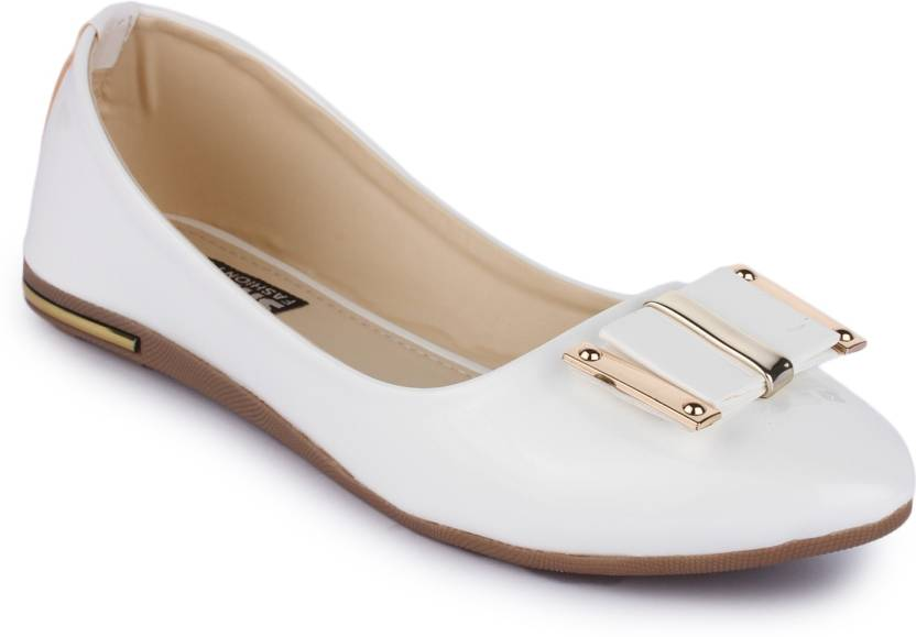 03c42e186 Sapatos Women White Bellies - Buy Sapatos Women White Bellies Online at  Best Price - Shop Online for Footwears in India