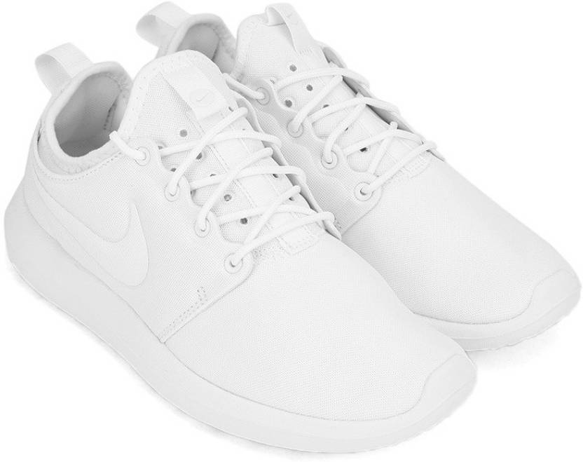 84d4191bc62d Nike W NIKE ROSHE TWO Sneakers For Women - Buy WHITE WHITE Color ...