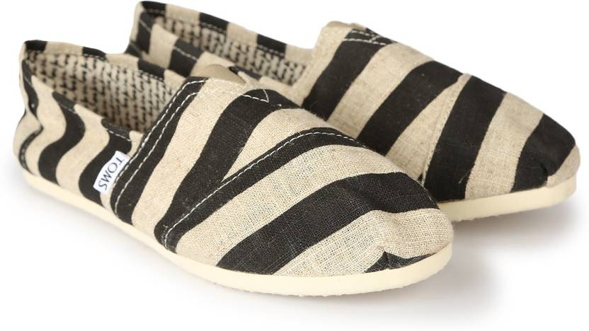 8af7a3ce191 Tom s BLACK STRIPE WOMEN S CLASSIC CANVAS CASUAL For Women - Buy ...