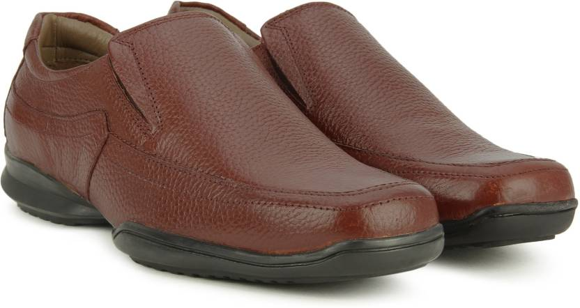 retail prices order online special section Hush Puppies By Bata NEW BOUNCE SLIP O Slip On For Men - Buy Tan ...
