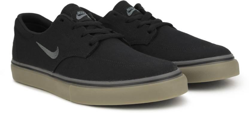 timeless design e6366 e8855 Nike SB CLUTCH Sneakers For Men