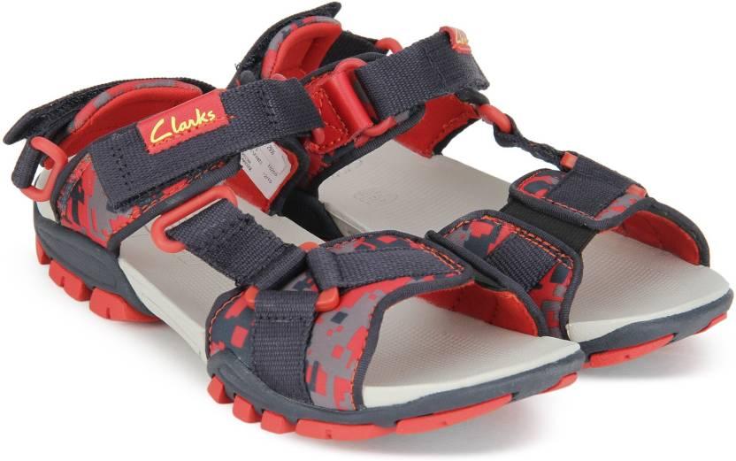 e15f8ba68e6c4f Clarks Boys Velcro Sports Sandals Price in India - Buy Clarks Boys ...