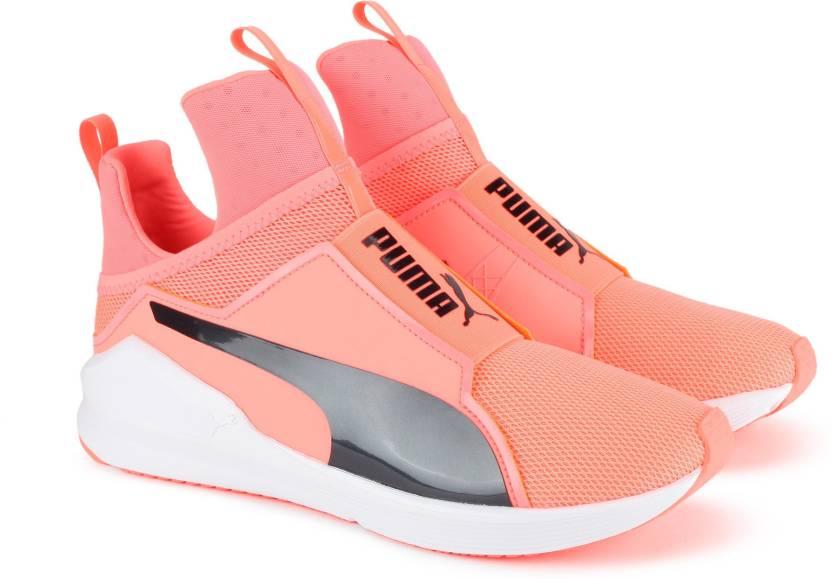 Puma FIERCE CORE - Sports shoes - nrgy peach-puma black mMtnK