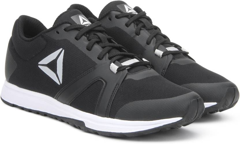 ef6d391545d REEBOK MIGHTY TRAINER Training Shoes For Men - Buy BLACK SKULL GREY ...