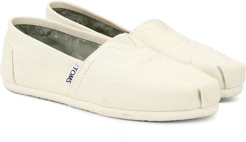 1d443bbc4aa4b Tom s NATURAL CANVAS WOMEN S CLASSICS CASUAL For Women - Buy LTBEIGE ...