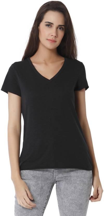 4e15e8b449f59 Vero Moda Solid Women V-neck Black T-Shirt - Buy Vero Moda Solid Women V-neck  Black T-Shirt Online at Best Prices in India