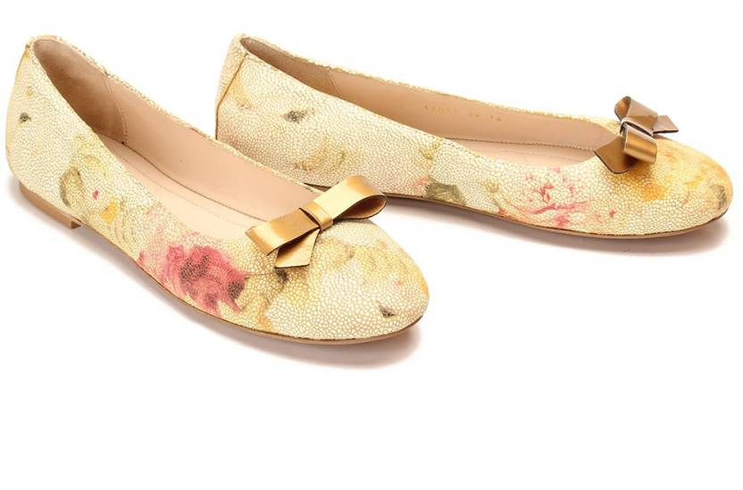 e0fbc6461529d Drish Leather Ballerinas with Curved Bow Bellies For Women (Multicolor)