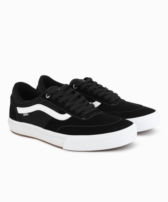 82f79dc6558 Vans Gilbert Crockett 2 Pro Sneakers For Men - Buy black white Color ...