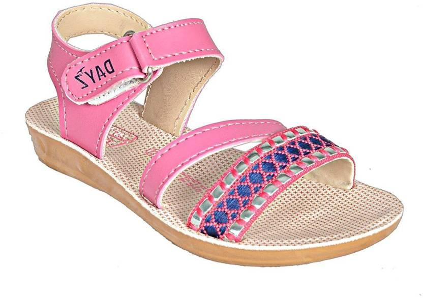 ec8a6bcc467a Dayz Girls Velcro Strappy Sandals Price in India - Buy Dayz Girls ...