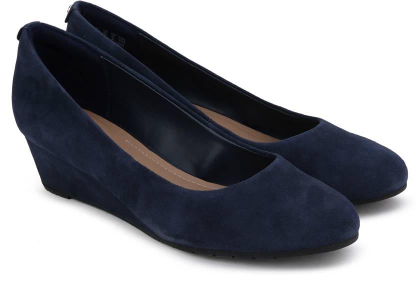9621aae82ec2 Clarks Vendra Bloom Navy Suede Belly Shoes For Women - Buy Navy ...