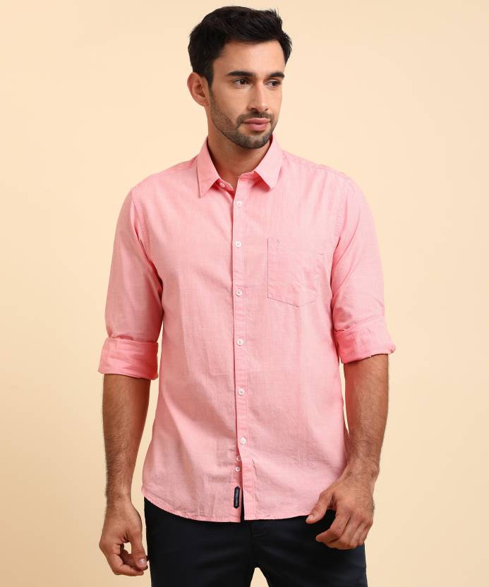 01882aa8d04 Indian Terrain Men s Solid Casual Pink Shirt - Buy Red Indian Terrain Men s  Solid Casual Pink Shirt Online at Best Prices in India