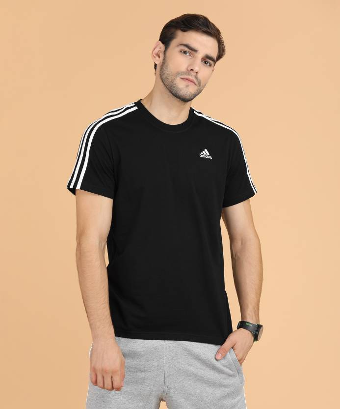 site réputé 5b12e 8df76 ADIDAS Striped Men Round Neck Black T-Shirt