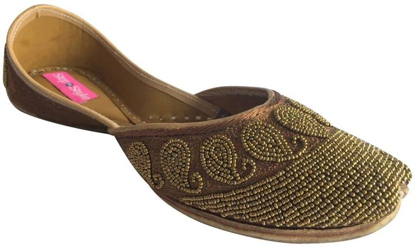 0ca769337bf2 Step N Style Indian Shoes Flat Shoes Khussa Shoes Mojari Saree Jooti Flip  Flop Jutis For Women (Copper)