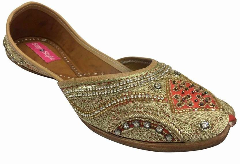 4ca722736 Step N Style Indian Shoes Khussa Jutti Bridal Shoes Traditional Salwar Suit  Sandals Jutis For Women (Beige)