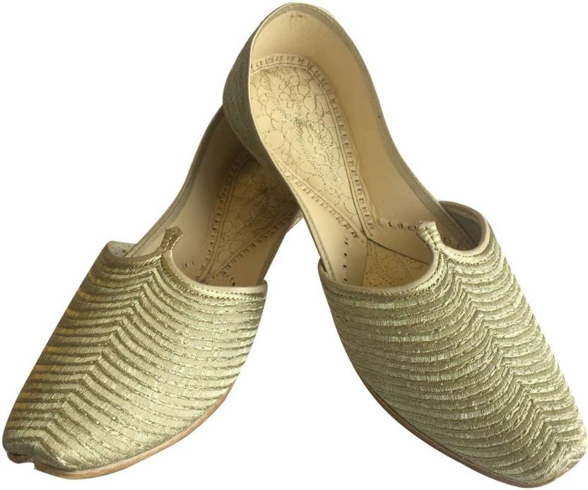 198095cfd27e Step N Style Men's Gold Punjabi Jutti Ethnic Sherwani Bridal Shoes ...