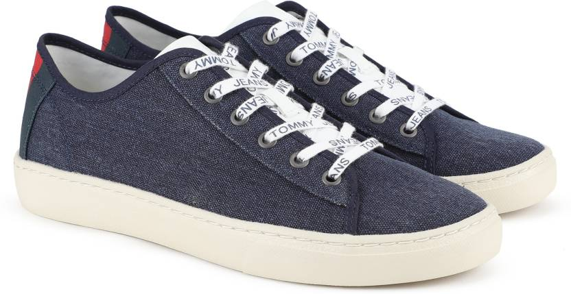 ac2829131 Tommy Hilfiger TOMMY JEANS LIGHT TEXTILE LOW MEN Canvas Shoe For Men (Blue)