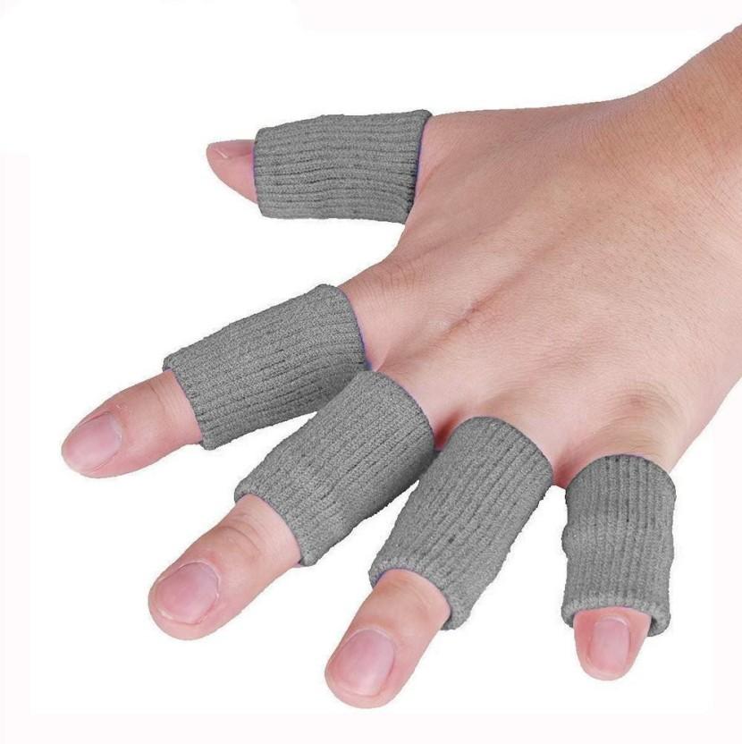 Free pics men fingering women