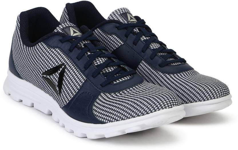 0f3c2e50c4b36 REEBOK RUNTHUSIASTIC Running Shoes For Men - Buy REEBOK ...