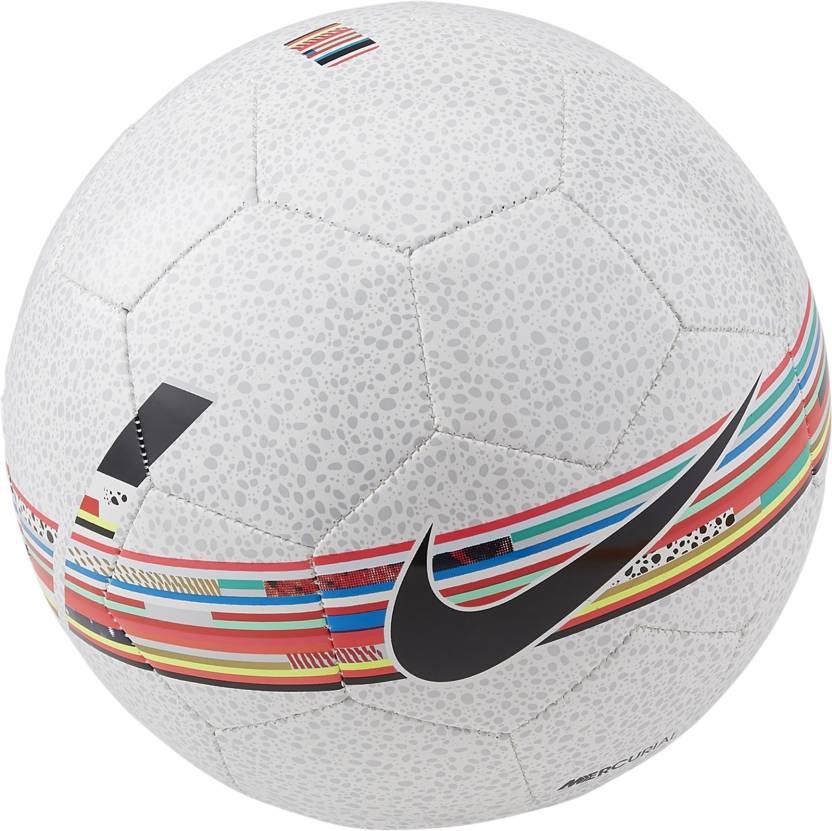Nike CR7 Prestige Football   Size: 5 Pack of 1, Multicolor