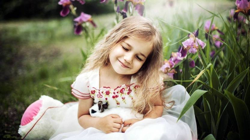 f08eee25b00 Mntc Poster Of Cute Baby Girl With Sweet Dream (31 Cms X46 Cms X 31 ...