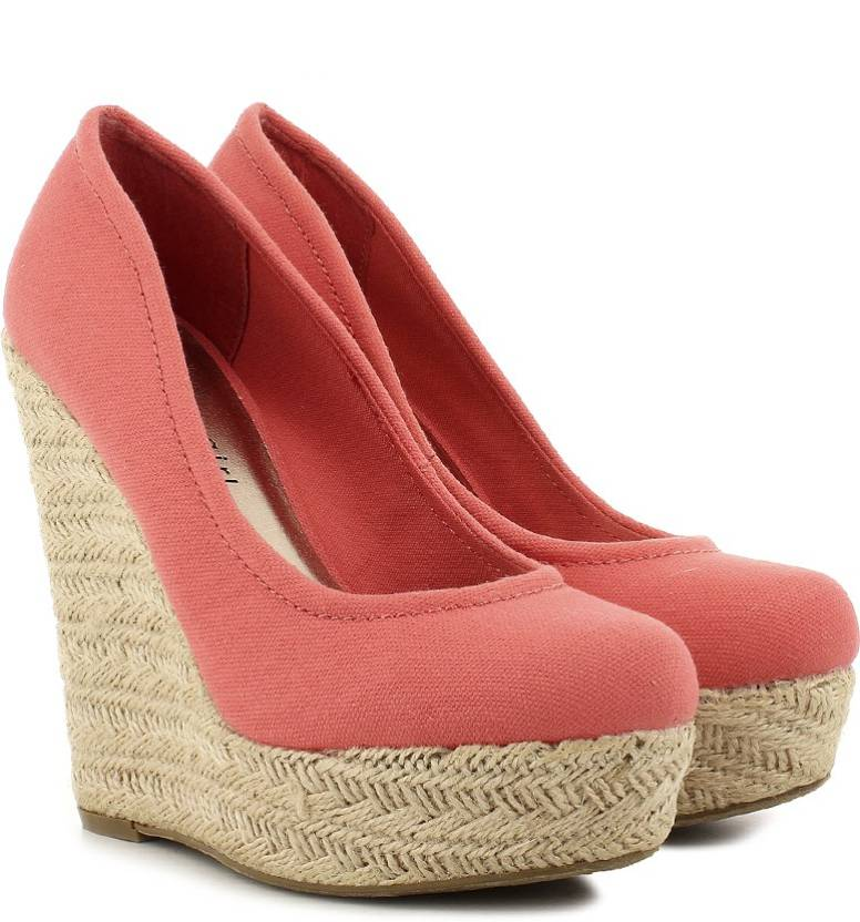 Steve Madden Women Coral Canvas Wedges