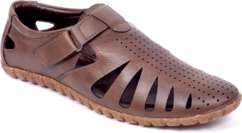 ad3b70868d36 Peponi Men Brown Sandals - Buy Brown Color Peponi Men Brown Sandals ...