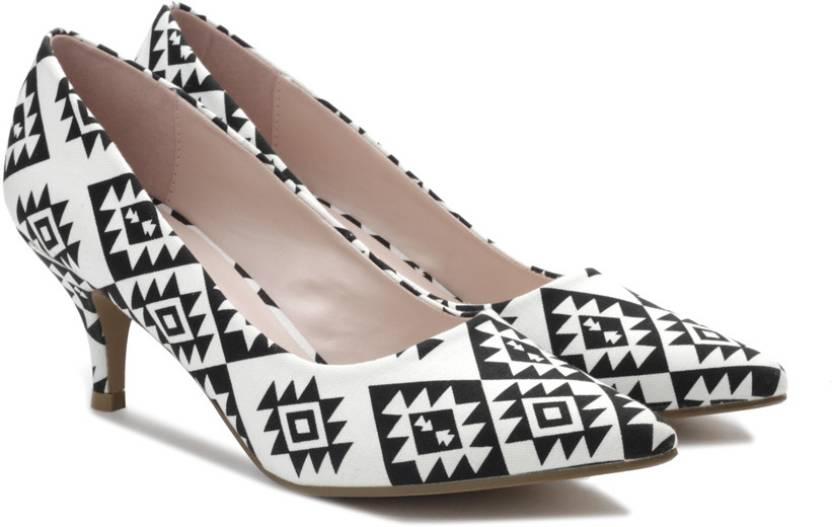 6f10fc87ed7ed8 Van Heusen Women Black Heels - Buy Black Color Van Heusen Women Black Heels  Online at Best Price - Shop Online for Footwears in India