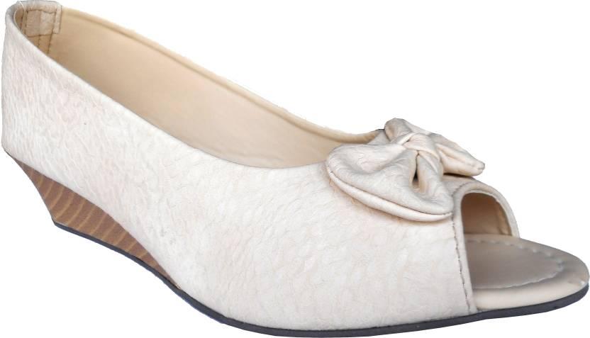 cb9109e70c9 Kanchan Women Crème Wedges - Buy Crème Color Kanchan Women Crème Wedges  Online at Best Price - Shop Online for Footwears in India
