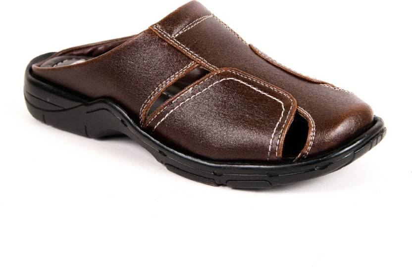51b08f5531c Binutop Men Brown Sandals - Buy Brown Color Binutop Men Brown Sandals  Online at Best Price - Shop Online for Footwears in India