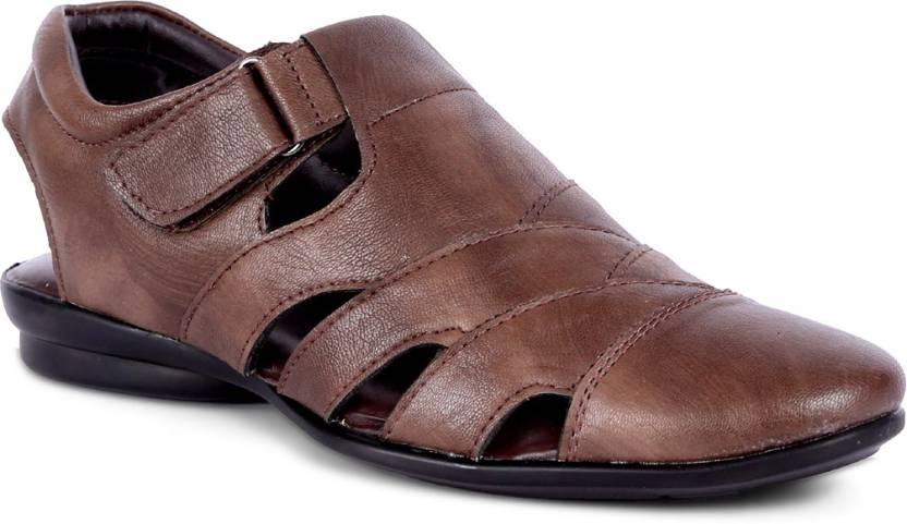 ac5aedac0dc7 Peponi Men Brown Sandals - Buy Peponi Men Brown Sandals Online at Best Price  - Shop Online for Footwears in India