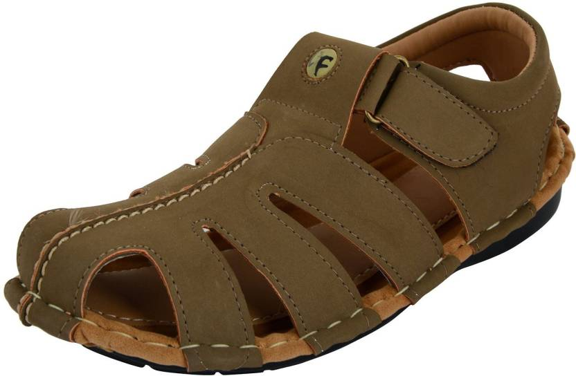 Bruno Walk Men Green Sandals