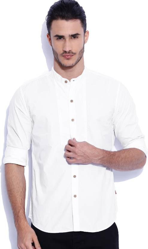 9149f4bfca Levi s Men s Solid Casual White Shirt - Buy White Levi s Men s Solid Casual White  Shirt Online at Best Prices in India