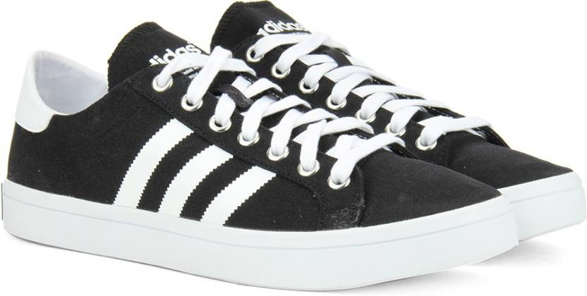 check out 0f299 c01c2 ADIDAS ORIGINALS COURTVANTAGE Sneakers For Men (Black)