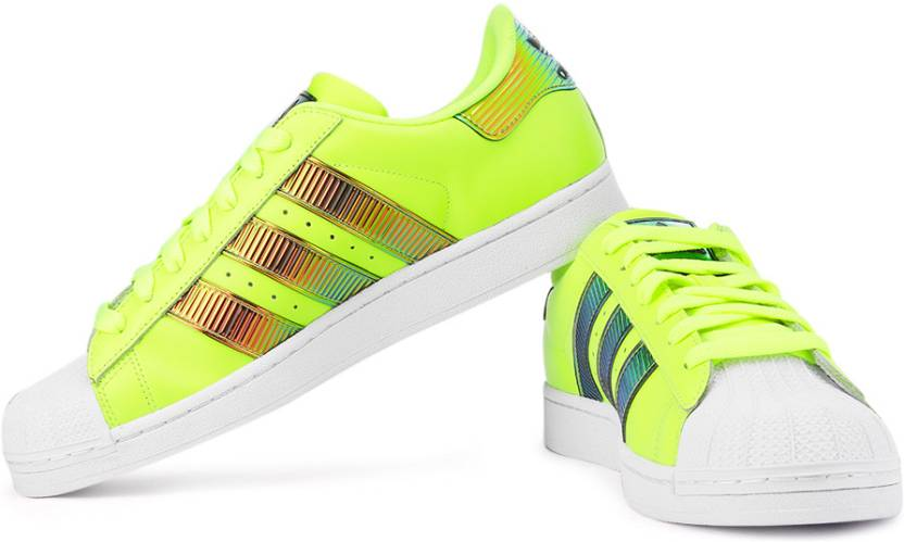 huge inventory 48ab6 79104 ADIDAS ORIGINALS Superstar Bling Xl Sneakers For Men (Multicolor, White,  Green)