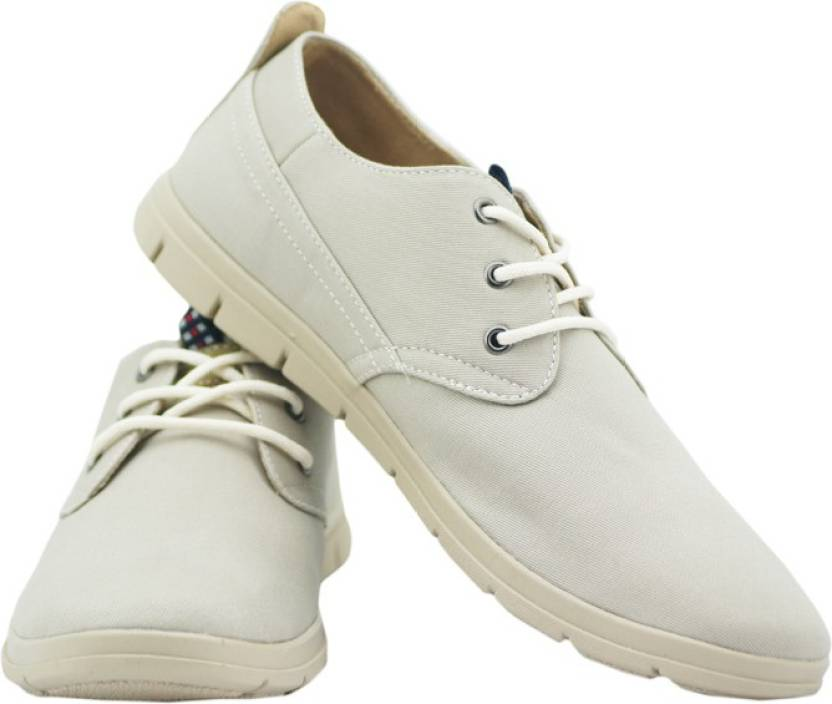 a85ec331e0f1 Pinellii Italian Nitty Canvas Shoes For Men - Buy Beige Color ...
