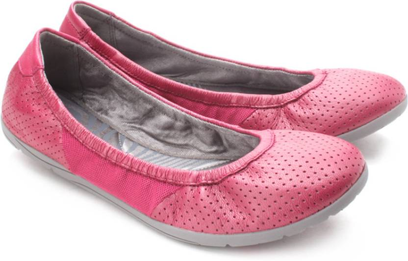 3a48fd3c26e Clarks Illya Shine Bellies For Women - Buy Fuchsia Leather Color ...