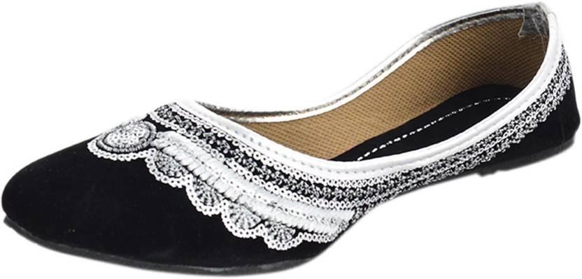 54df6b9b7ae Kanchan Ethnic Wear Bellies For Women - Buy Black Silver Color ...