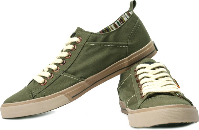 Best Canvas Shoes Brand In India