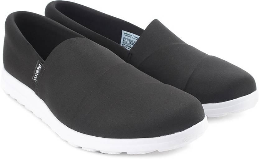 86d5f95f8f86 REEBOK Skyscape Harmony Walking Shoes For Women - Buy Black