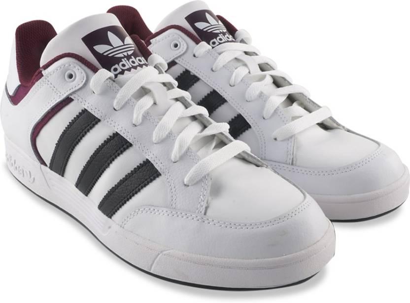Adidas Originali Varial Ftwwht Basso Scarpe Per Gli Uomini Comprano Ftwwht Varial / Cnero a7e4db