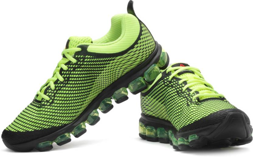 more photos 5eae3 2c79e REEBOK Jetfuse Run Running Shoes For Men (Black, Green)