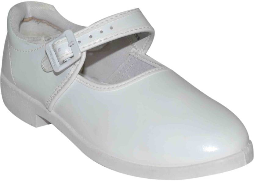 Bata Girls Price in India - Buy Bata Girls online at Flipkart.com