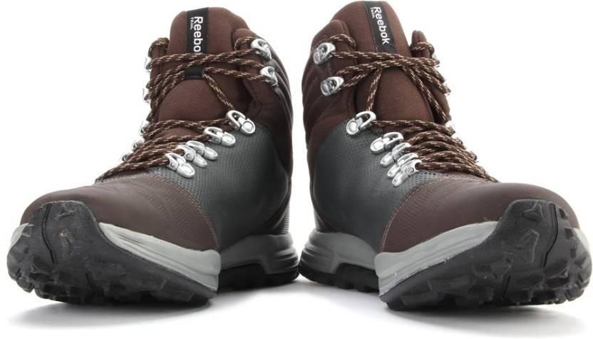 48adde2e800 REEBOK OUTDOOR VOYAGER MID Men Hiking & Trekking Shoes For Men