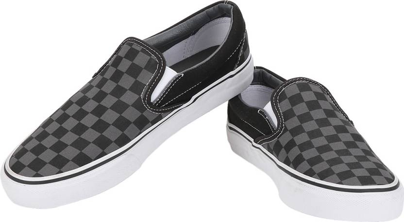 789661fa26b Vans Classic Slip-On Casual Shoes For Men - Buy Classic Black Color ...